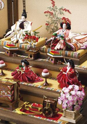 人形のまち岩槻 小木人形 2016年度 ひな人形は焼桐の飾り段・屏風が人気です