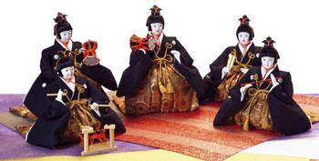 人形のまち岩槻 小木人形 雛人形 五人囃子付三段飾り 五人囃子は憧れの雛人形には欠かせません。 囃子にはとても私たちを力づけてくださる。