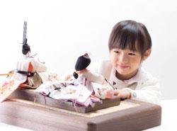 ひな祭りは時代をこえて受け継がれている、日本の伝統的なお祭りです。