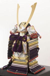 五月人形・重要文化財模写紫裾濃威の大鎧
