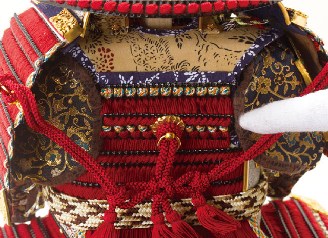 五月人形 鎧兜  黒小札赤糸(茜糸)威鎧焼桐飾り台飾りNo3212 逆板