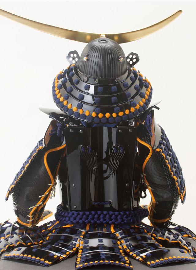 人気の五月人形・戦国武将 伊達政宗公黒漆五枚胴模写 具足飾り No3221 具足本体の背面