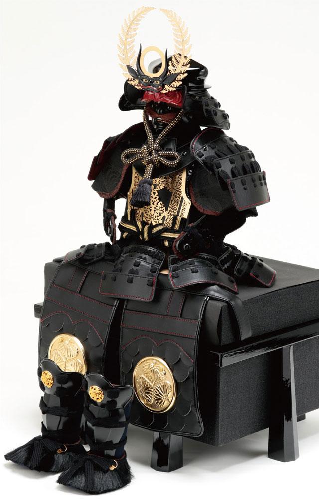 五月人形・徳川家康公 創作鎧 BLACK 陣幕飾りNo4252B 具足の部分