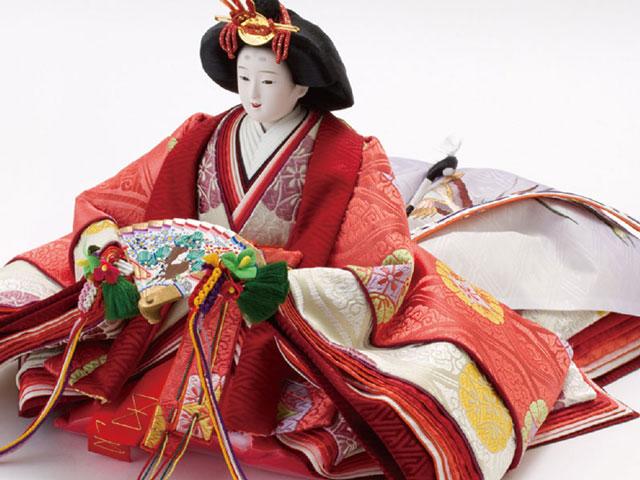 雛人形・京八番親王六寸官女付焼桐三段飾りセット No3031B 女雛のお顔と衣装