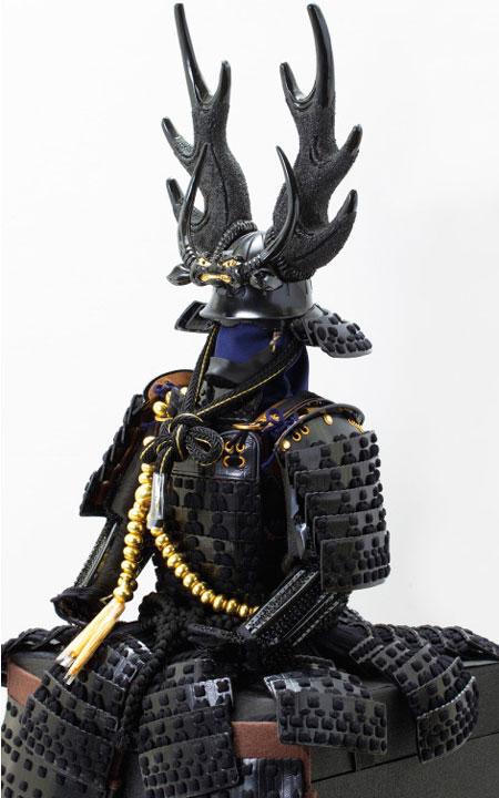 五月人形・本多忠勝公 黒糸縅二枚胴具足模写 高床台飾りNo2281