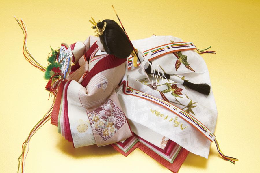 雛人形・塗り桐三段飾り 京小十番親王 友禅衣装