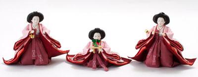 雛人形・京十番親王芥子官女・五人囃子付焼桐三段飾りセット No3010B 官女