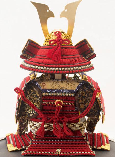 五月人形・黒小札赤糸威鎧焼桐平台飾りNo3212 鎧の背面