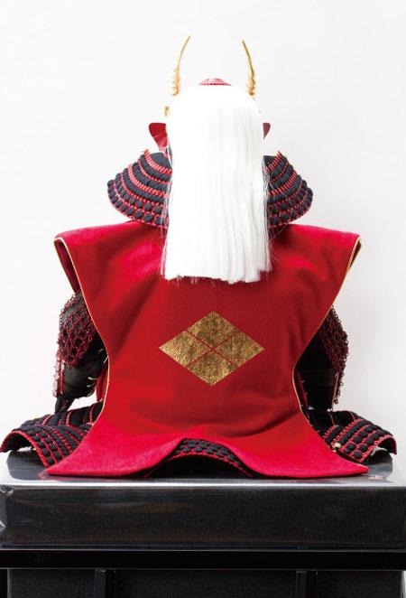 武田信玄公創作鎧(歯噛前立)陣羽織付 焼桐板屏風飾りNo3292 背面