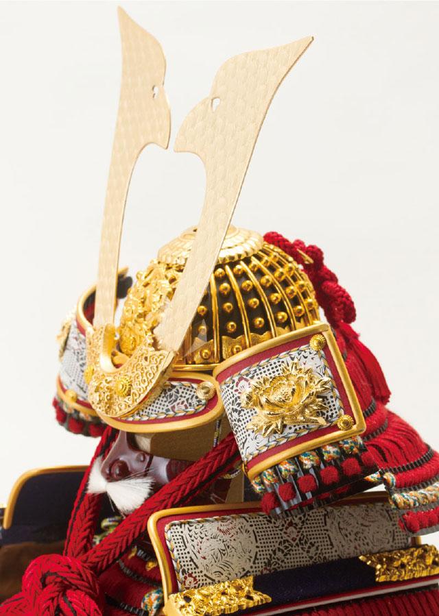 五月人形・黒小札赤糸(茜糸)威鎧焼桐飾り台セットNo3212 兜の部分