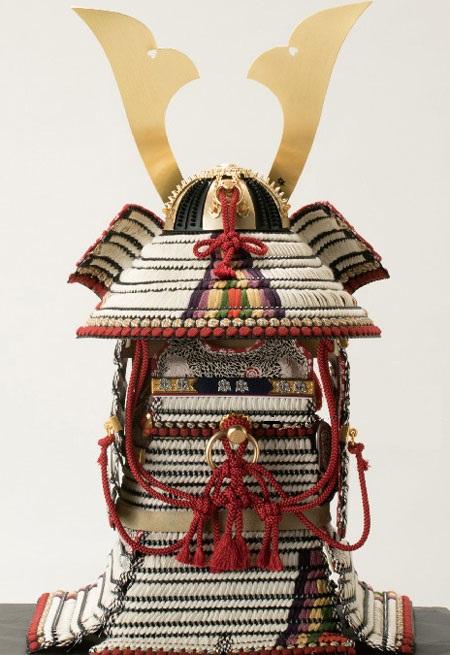 五月人形・櫛引八幡宮所蔵 国宝模写 白糸威褄取鎧飾り  No321-C