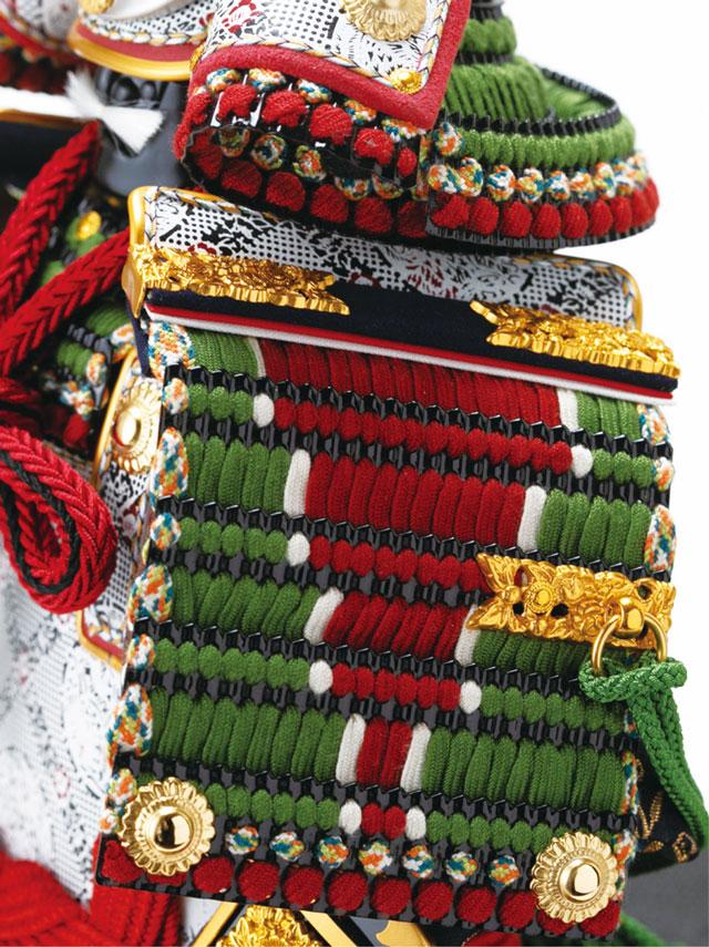 黒小札萌葱糸逆沢瀉威鎧ミニ焼桐平台飾りNo3214セット 鎧の大袖