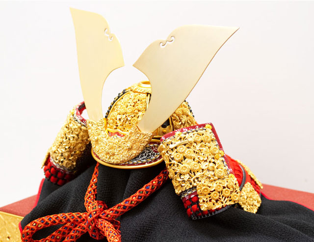 青森 櫛引八幡宮所蔵 国宝模写 菊一文字金物赤糸威大鎧 兜飾り No311-B 兜の部分