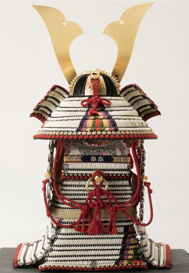 青森 櫛引八幡宮所蔵 国宝模写 白糸威褄取 鎧飾り  No321-C 背面