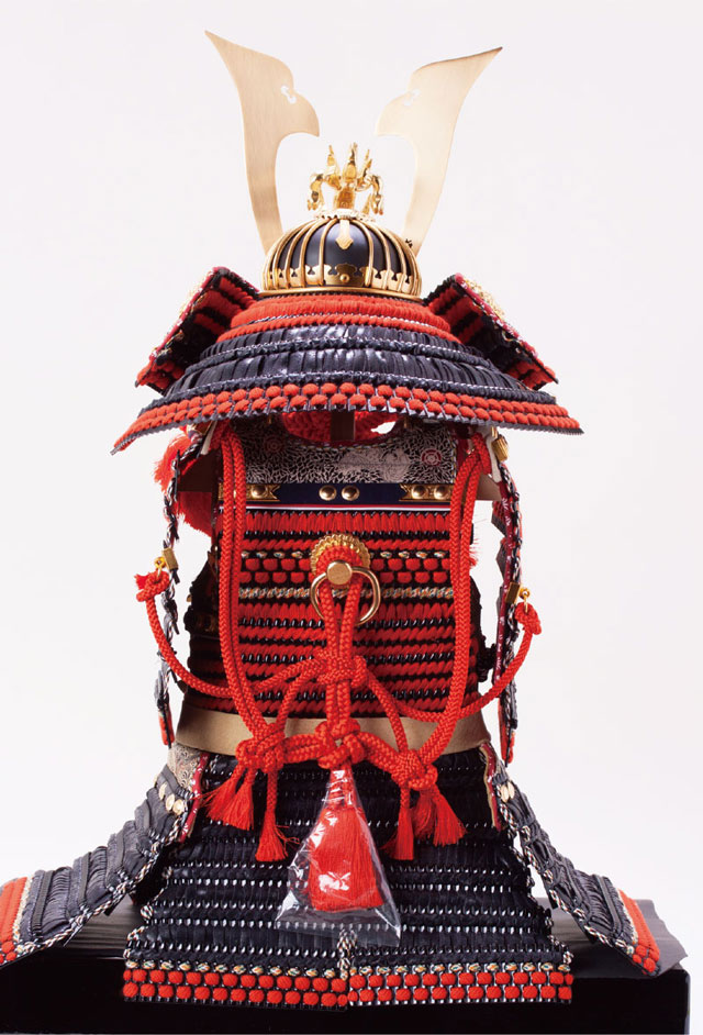 五月人形・ 厳島社所蔵 重要文化財 黒韋威肩紅の大鎧模写 鎧飾り No321I 大鎧の背面