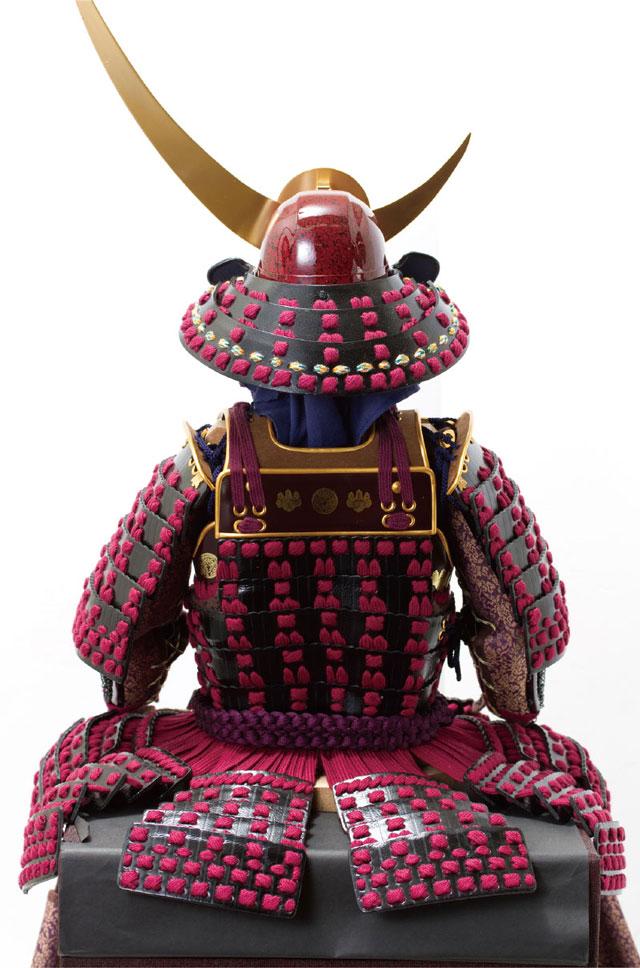 五月人形・上杉神社所蔵 山形県文化財 紫糸威胴丸具足模写 No3231 鎧本体の背面