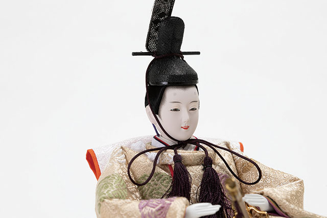 三段飾り・京十二番親王小柳官女付焼桐三段収納飾り No2996男雛のお顔
