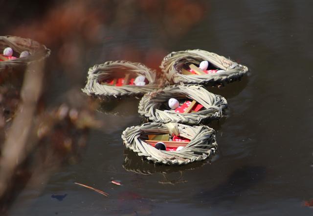 上巳の節句 人形のまち岩槻 流し雛 厄落としの行事 人形を川に流す